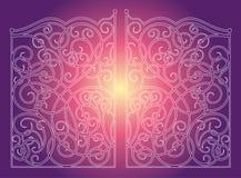 Puertas hermosas del ornamento del hierro en fondo rosado púrpura Imagen de archivo