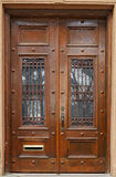 Puertas marrones viejas Foto de archivo libre de regalías