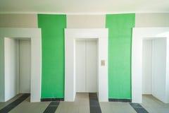 puertas modernas del elevador foto de archivo