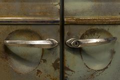 Puertas oxidadas de un coche del vintage foto de archivo libre de regalías