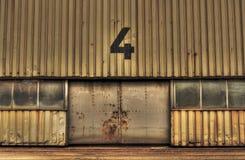 Puertas oxidadas del garaje Fotografía de archivo