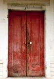 Puertas rojas Fotos de archivo libres de regalías