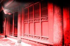 Puertas rojas del templo Imagen de archivo libre de regalías
