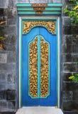 Puertas talladas madera de Bali Fotografía de archivo