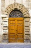 Puertas toscanas preciosas imagen de archivo libre de regalías
