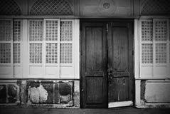 Puertas y detalle españoles de Windows Imagenes de archivo