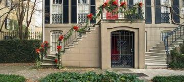 Puertas y entradas escénicas, arquitectura única, vieja, adornada Imagen de archivo