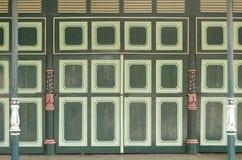 Puertas y pilares únicos en palacio del sultanato de Yogyakarta Fotos de archivo libres de regalías