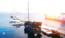 Puerto小游艇船坞在Benalmadena 太阳海岸,马拉加省,安大路西亚,西班牙 库存照片