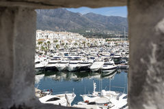 Puerto Banus от взгляда печной трубы Puerto Banus, Стоковая Фотография RF
