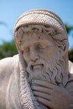 PUERTO BANUS ANDALUCIA/SPAIN - 26 DE MAIO: Estátua de um homem em Puert Imagens de Stock