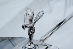 PUERTO BANUS, ANDALUCIA/SPAIN - 6 JUILLET : Rolls Royce Emblem dans P Image stock