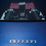 PUERTO BANUS ANDALUCIA/SPAIN - MAJ 26: Ferrari bilemblem på A.C. Arkivfoton
