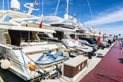 Puerto Banus, a Andaluzia, Espanha Fotos de Stock Royalty Free