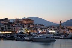 Puerto Banus på skymningen. Marbella Spanien Arkivbild