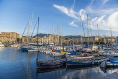 Puerto Cala en Palermo, Italia Foto de archivo libre de regalías