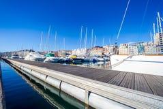 Puerto Chico żeglowania port w Santander Cantabria, Hiszpania Rekreacyjny port z silnikiem i żeglowanie łodziami Częściowy widok  obraz royalty free