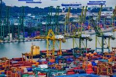 Puerto comercial de Singapur, es uno de la importación más ocupada, E Fotografía de archivo libre de regalías