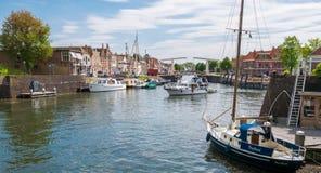 Puerto con los barcos en Brielle, Países Bajos foto de archivo libre de regalías