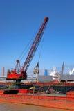 Puerto Crane Loading Transportation Barge industrial Fotos de archivo libres de regalías