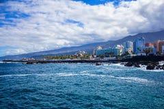 Puerto de Λα Cruz, Tenerife νησί, Ισπανία στοκ εικόνες