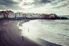 Puerto de Ла Cruz, Испания 20-ое марта 2015: Пляж в Puerto de Ла Cruz Стоковые Изображения RF