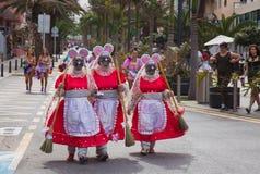 PUERTO DE ЛА CRUZ, ИСПАНИЯ - 16-ое февраля: участники подготовляют и Стоковая Фотография RF