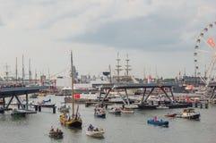 Puerto de Amsterdam durante la vela 2015 Fotografía de archivo libre de regalías