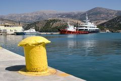 Puerto de Argostoli, Kefalonia, septiembre de 2006 Fotografía de archivo