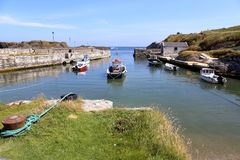 Puerto de Ballintoy imagen de archivo libre de regalías