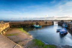 Puerto de Beadnell en la costa de Northumberland imagen de archivo libre de regalías