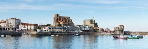 Puerto de Castro Urdiales fotografía de archivo libre de regalías