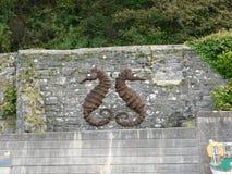Puerto de Dunure de la escultura de los Seahorses Imagen de archivo libre de regalías