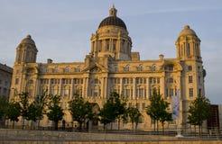 Puerto de edificio de Liverpool en la costa de Liverpool Imagenes de archivo