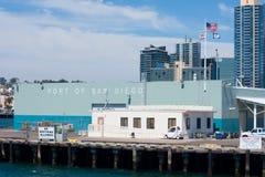 Puerto de edificio de San Diego tomado de bahía Imagenes de archivo
