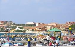Puerto de Golfo Aranci - Cerdeña, Italia foto de archivo libre de regalías