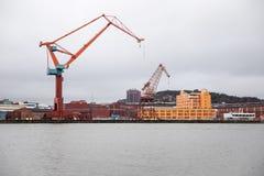Puerto de Goteburgo con las grúas en un día frío del ` s del invierno, Suecia Fotografía de archivo libre de regalías
