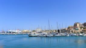 Puerto de Heraklion y puerto veneciano en la isla de Creta, Grecia imagenes de archivo