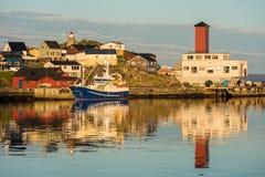 Puerto de Honningsvag en el marco finlandés, Noruega Fotos de archivo