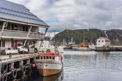 Puerto de Honningsvag en el marco finlandés, Noruega Imágenes de archivo libres de regalías