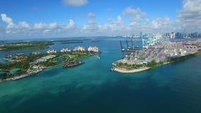 Puerto de imágenes de vídeo aéreas hermosas de Miami almacen de metraje de vídeo