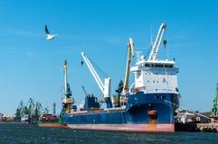 Puerto de Klaipeda en Lituania Fotos de archivo