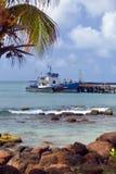 Puerto de la bahía del bergantín del barco de la pesca profesional en la isla de maíz grande Nicaragua America Central fotografía de archivo