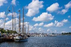 Puerto de la ciudad en Rostock Foto de archivo