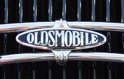 PUERTO DE LA CRUZ - 14 JUILLET : Symbole d'Oldsmobile sur le luxe d'anique Photo libre de droits