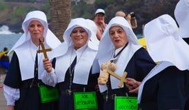 PUERTO DE LA CRUZ, SPANIEN - 16. Februar: Teilnehmer bereiten sich vor und Lizenzfreies Stockbild