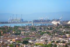 Puerto de Long Beach y el puerto de envío más grande de los E.E.U.U. Fotos de archivo libres de regalías