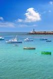 Puerto de los barcos de Arrecife Lanzarote en las Canarias Foto de archivo libre de regalías