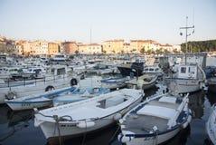 Puerto de los barcos en Rovinj, Croacia Imagenes de archivo