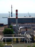 Puerto de los edificios industriales Imagenes de archivo
